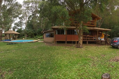 Cabana em clube na beira da lagoa - Osorio