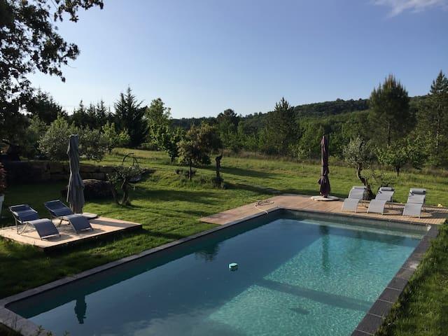 Villa 10pers en Ardèche + piscine