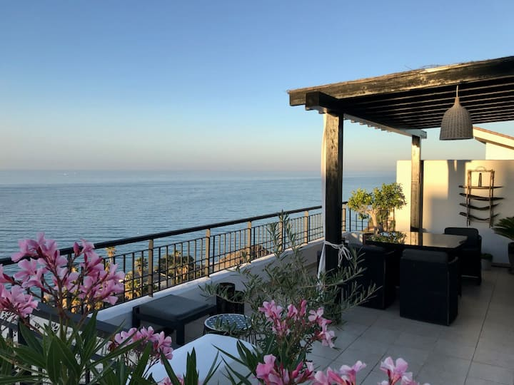 Penthouse with spectacular sea view near Nerja