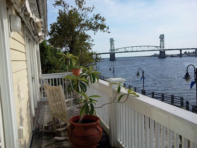 Riverfront Downtown Condo with a Parking Space! - Wilmington