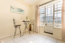 ★Easy Accessible★ Convenient★WIFI★City Living★