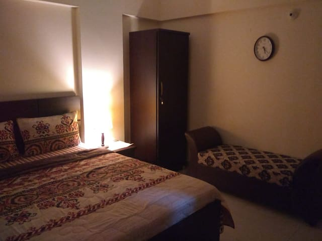 Room@DHA Phase 6w/private balcony+open kitchenette