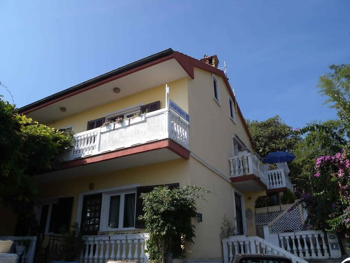 Apt for 2+2 persons with WLAN in Opatija R67804