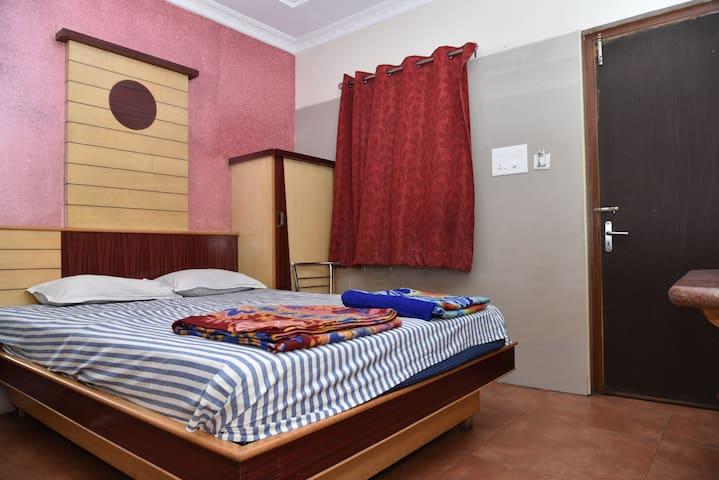Ac Double bed Room - Vellore - エコロッジ