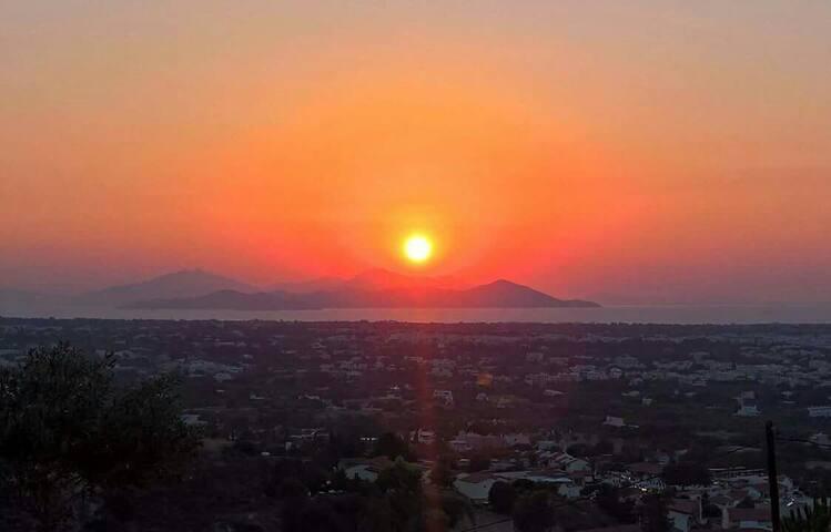 Yorgos, amazing sunset view house