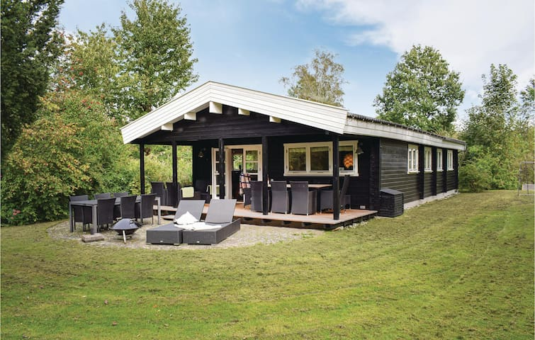 Holiday cottage with 3 bedrooms on 87m² in Jægerspris