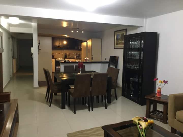 Apartamento Huaraz  amplio, moderno y seguro 130m²