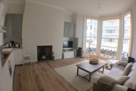 Central - Sea Front - Balcony - parking - Brighton - Wohnung