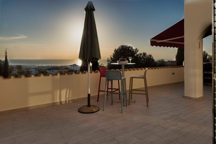 Sunrise and sunset terrace with sea view - Tala - Wohnung