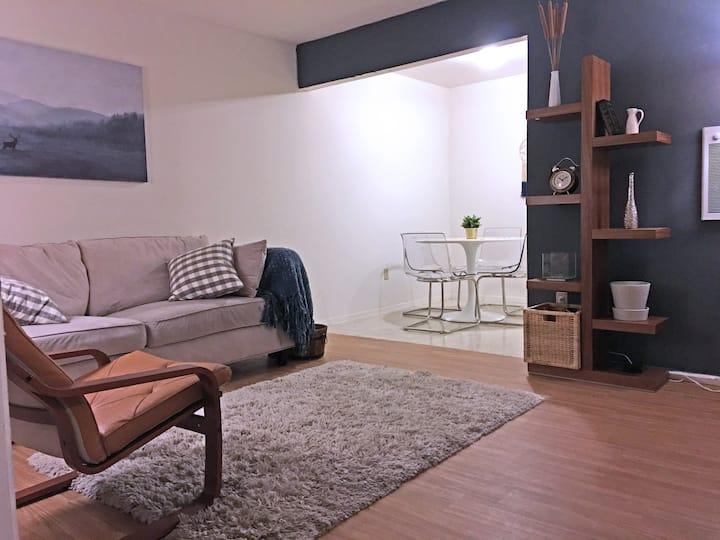 Cozy Apartment {Best for Traveling Nurse}