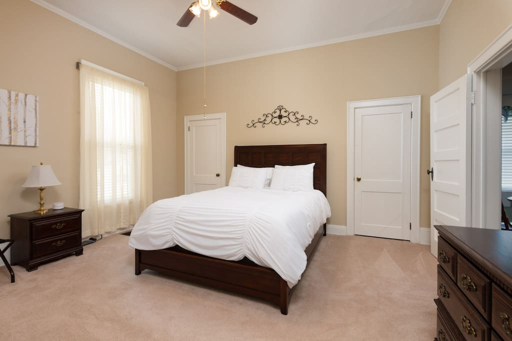 Master Bedroom - Luxurious Duvet