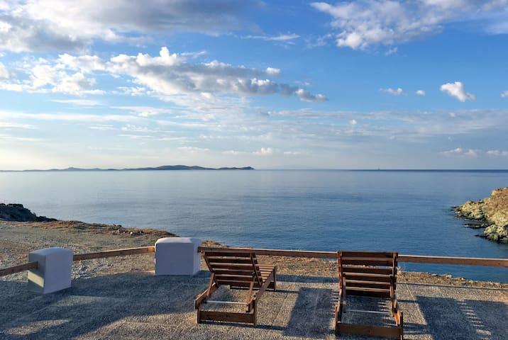 Seaside Villa at Tinos' Prehistoric settlement