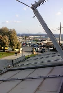 Cosy apartement near port for Cyklades and airport - Rafina - Huoneisto