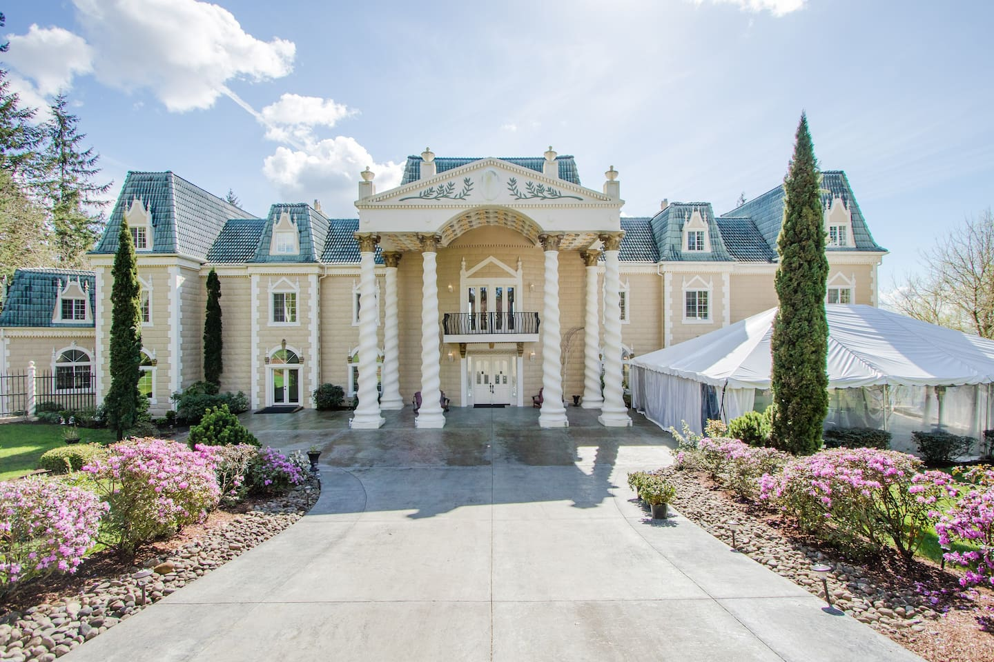 The Empress Estate All 5 Suites Villas For In Woodland Washington United States
