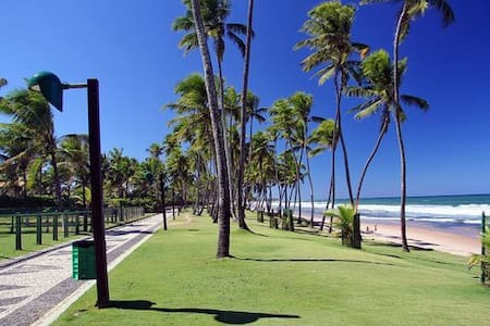 Suite confortável na praia de Vilas do Atlântico. - Lauro de Freitas