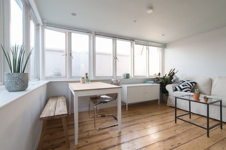 Bright two storeys apartment with rooftop terrace - London - Apartment
