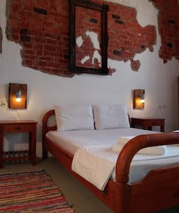 Kalypso Rooms Old Town