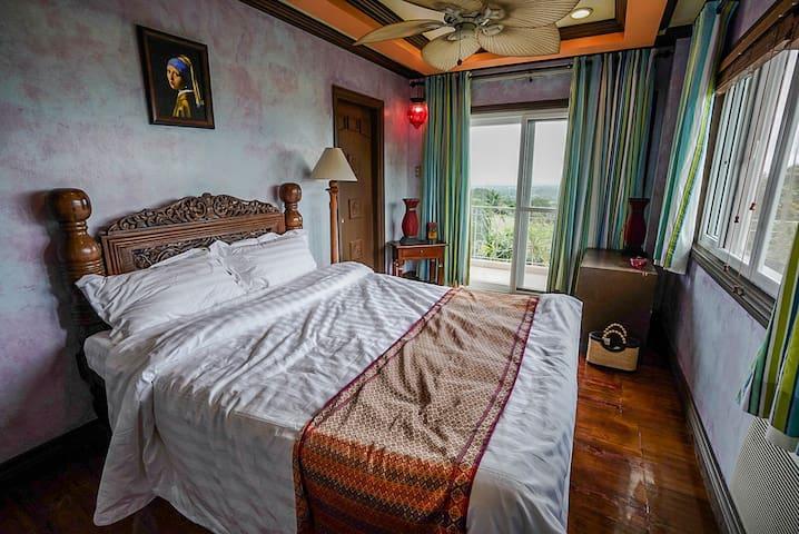 Altamira Boutique House, Tagaytay Highlands Room 2