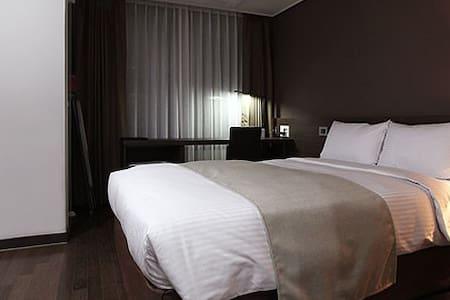 Urban Place Gangnam Hotel - Seocho-gu
