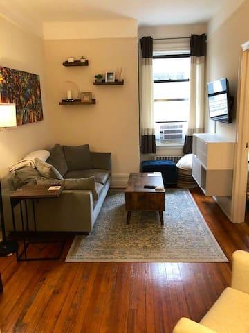 Upper West Side Full Apartment