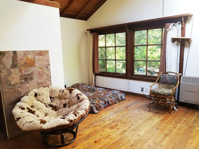 charming all wood  lrg room in 1976 cottage..
