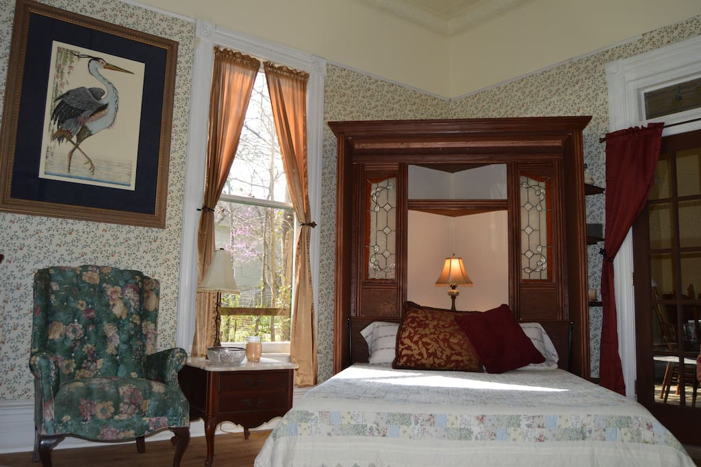 Queen bed in the suite has a comfortable latex mattress.
