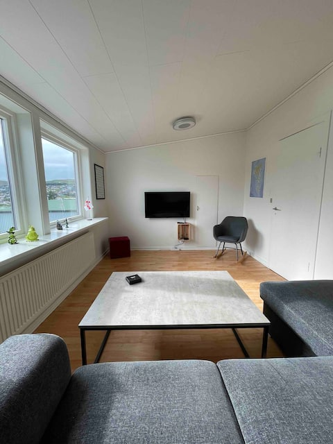2-bedroom loft with free parking on premise