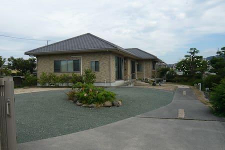 愛媛 伊予市の静かな別荘 - Iyo-shi - House