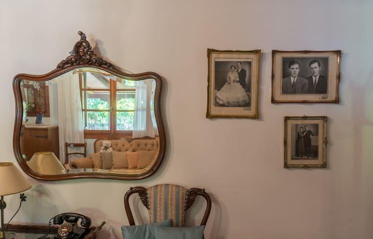 Old portraits of Fenia's parents!