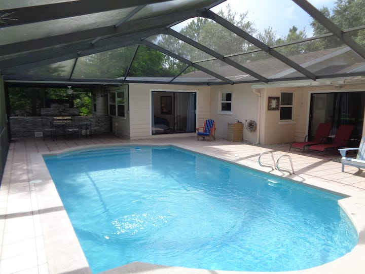 Lutz Cottage - Pool - 4 Bedroom Home