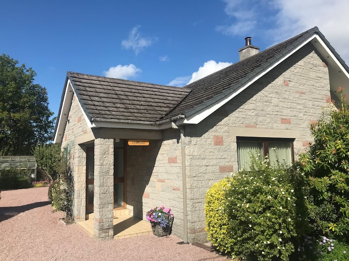 Spacious family property with garden in Aberlour