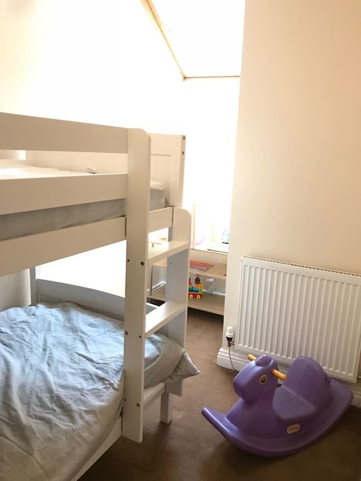Bedroom 2 - bunk bed suitable for adults