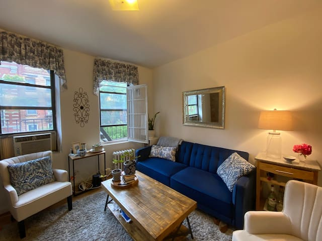 Charming Chelsea One Bedroom