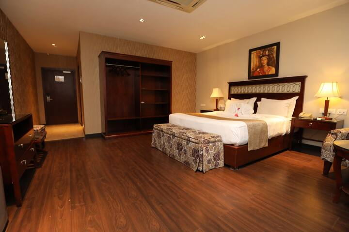 The Greenwood: Club Room (AM Hotel Kollection)
