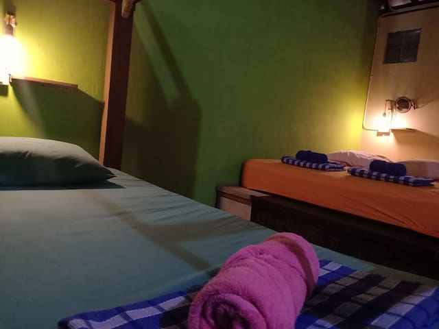 Family Privat Room AC (fit to 4 people)