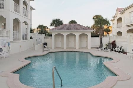Villas of Ocean Gate