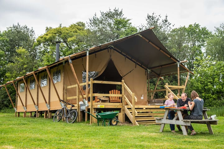 Glamping Farm Stay, Gambledown Farm, Hampshire (4)