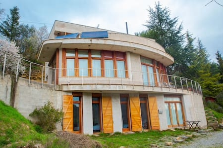 Ecological house in Montserrat: 8 beds