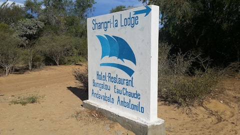 Shangri-la Lodge