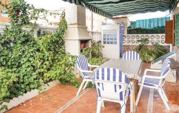 Holiday apartment with 3 bedrooms on 50 m² in Torrevieja
