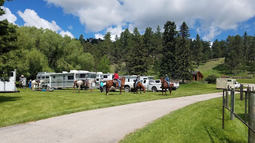 Plenty Star Ranch - Full RV Camping Site 1