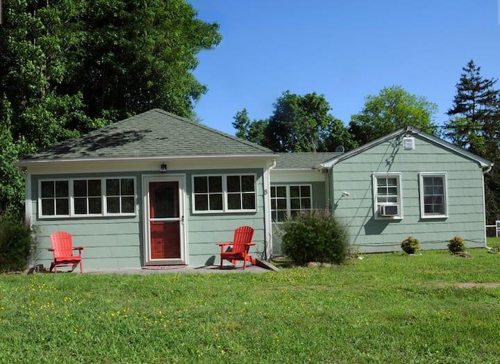 Cozy, Comfortable Island Cottage