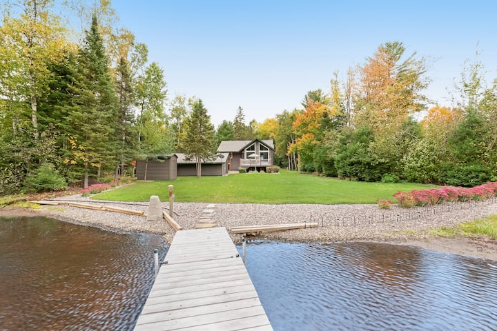 Private lakefront home w/ boat dock, fireplace, large yard - dogs welcome!