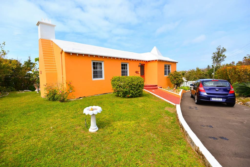 Cute Bermuda Cottage - all yours for your stay!!
