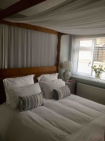 Beautiful double room on seafront