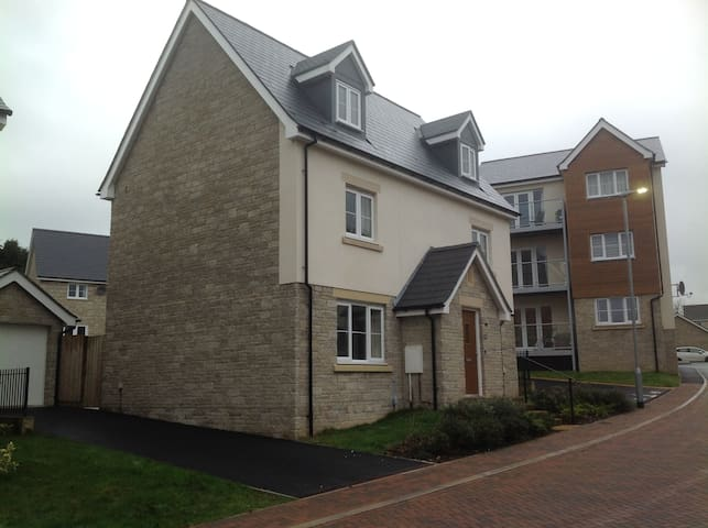 Newly built five bed house - Penryn - Hus