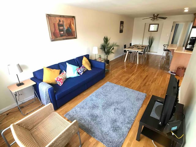 Peaceful & Bright 2BR Brooklyn Apt. by the Park