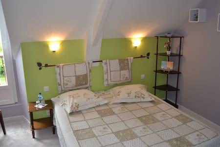 chambre  tout confort dans la baie du Mt St Michel - Hirel - Gästhus