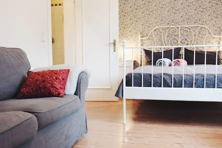 Apartment Old Rose