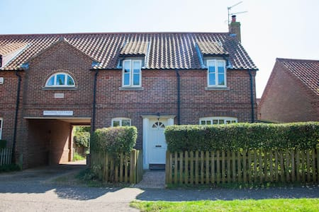 Mahonia Cottage - Burnham Market